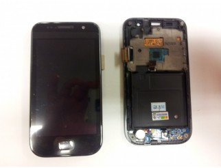 Display für Samsung Galaxy SL (i9003) , Touchscreen + LCD mit Rahmen