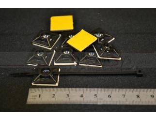 Klebesockel schwarz 19x19 mm Set mit 10 Stück